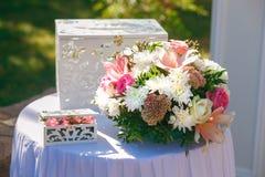 Beau décor de mariage des fleurs Photo libre de droits