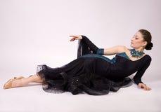 Beau danseur dans la robe Photographie stock libre de droits