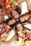 Beau danseur hawaïen Girlsstanding de Hula Photographie stock