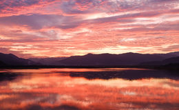 Beau du coucher du soleil orange en Thaïlande Photographie stock libre de droits