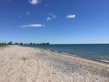 Beau et ensoleillé jour à la plage Photos libres de droits