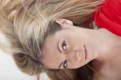 Beau femme avec de longs poils Photo stock