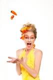 Beau femme avec des poivrons Photos stock
