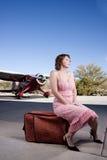 Beau femme avec l'avion privé Photographie stock