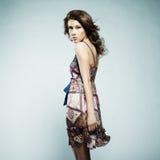 Beau femme avec la robe élégante d'été Photographie stock