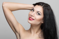 Beau femme avec le cheveu bouclé Images stock