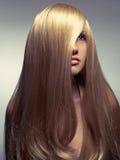 Beau femme avec le cheveu magnifique Photographie stock