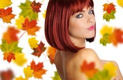 Beau femme avec le cheveu rouge Photos libres de droits