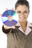 Beau femme avec le disque compact à disposition Photos libres de droits
