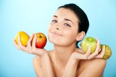 Beau femme avec le fruit Image libre de droits