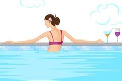 Beau femme dans la piscine Photos libres de droits