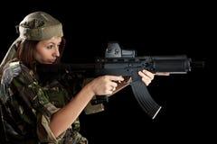 Beau femme dans la pose d'action Images libres de droits