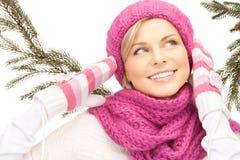 Beau femme dans le chapeau de l'hiver Image libre de droits