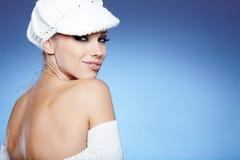 Beau femme dans le vêtement chaud Image stock