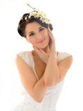 Beau femme de source avec la peau et les fleurs pures Image stock