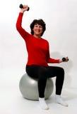 Beau femme en gymnastique de forme physique Photo stock