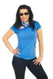 Beau femme modèle avec des lunettes de soleil Image libre de droits