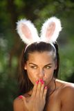 Beau femme sexy avec des oreilles de lapin de play-boy Photographie stock