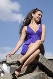 Beau femme sur un bord de mer Photo libre de droits