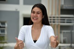 Beau Filipina Female With Thumbs Up photographie stock