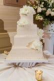 Beau gâteau de mariage Photo libre de droits
