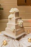 Beau gâteau de mariage Photos stock