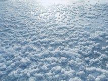 Beau gel sur la rivière glacée photographie stock