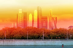 Beau gratte-ciel de bâtiments Image stock