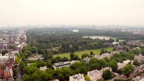 Beau Hyde Park à Londres, Royaume-Uni Vue aérienne clips vidéos