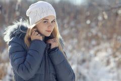 Beau jeune ado blond photo libre de droits