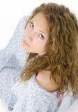 Beau jeune femme dans pleurer de robe d'hôpital Image libre de droits