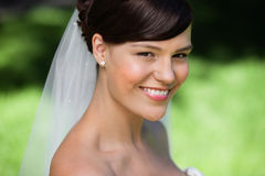 Beau jeune sourire de mariée Image libre de droits