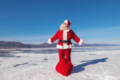 Beau jour d'hiver, une bonne Santa Photo stock