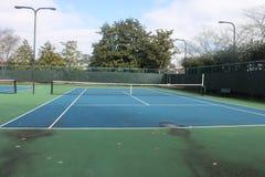 Beau jour de tennis pour jouer le sport photos libres de droits
