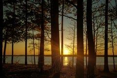 Beau lac au crépuscule Photo libre de droits