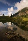 Beau lac de montagne avec de l'eau clair d'Obersdorf en Bavière, Allemagne photo stock