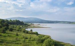 Beau lac Serbie Vlasina en été Image stock