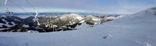 Beau landscaoe d'hiver dans Carpathiens Images stock