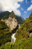 Beau lanscape de montagne avec le ciel dramatique photos libres de droits