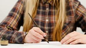 Beau lettrage de femme de calligraphie d'art d'écriture Image libre de droits