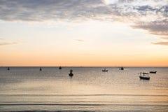 Beau lever de soleil au-dessus de la mer Photo libre de droits