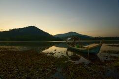 Beau lever de soleil au lac de beris, sik Kedah Malaisie photographie stock libre de droits