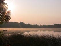 Beau lever de soleil de lac minnesota image libre de droits