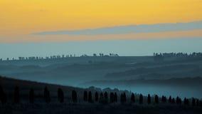 Beau lever de soleil et paysages pittoresques en Toscane image libre de droits