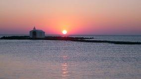 beau lever de soleil 4K sur la mer banque de vidéos