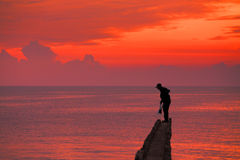 Beau lever de soleil rouge Image stock