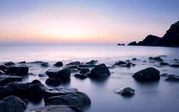 Beau lever de soleil serein en plage d'Al Aqqa Photographie stock libre de droits