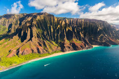 Beau littoral de Na Pali en Hawaï Photographie stock