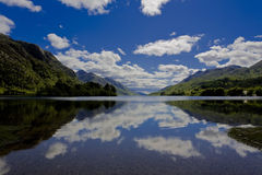 Beau loch Shiel Photos stock