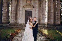 Beau mariage de couples Photographie stock
